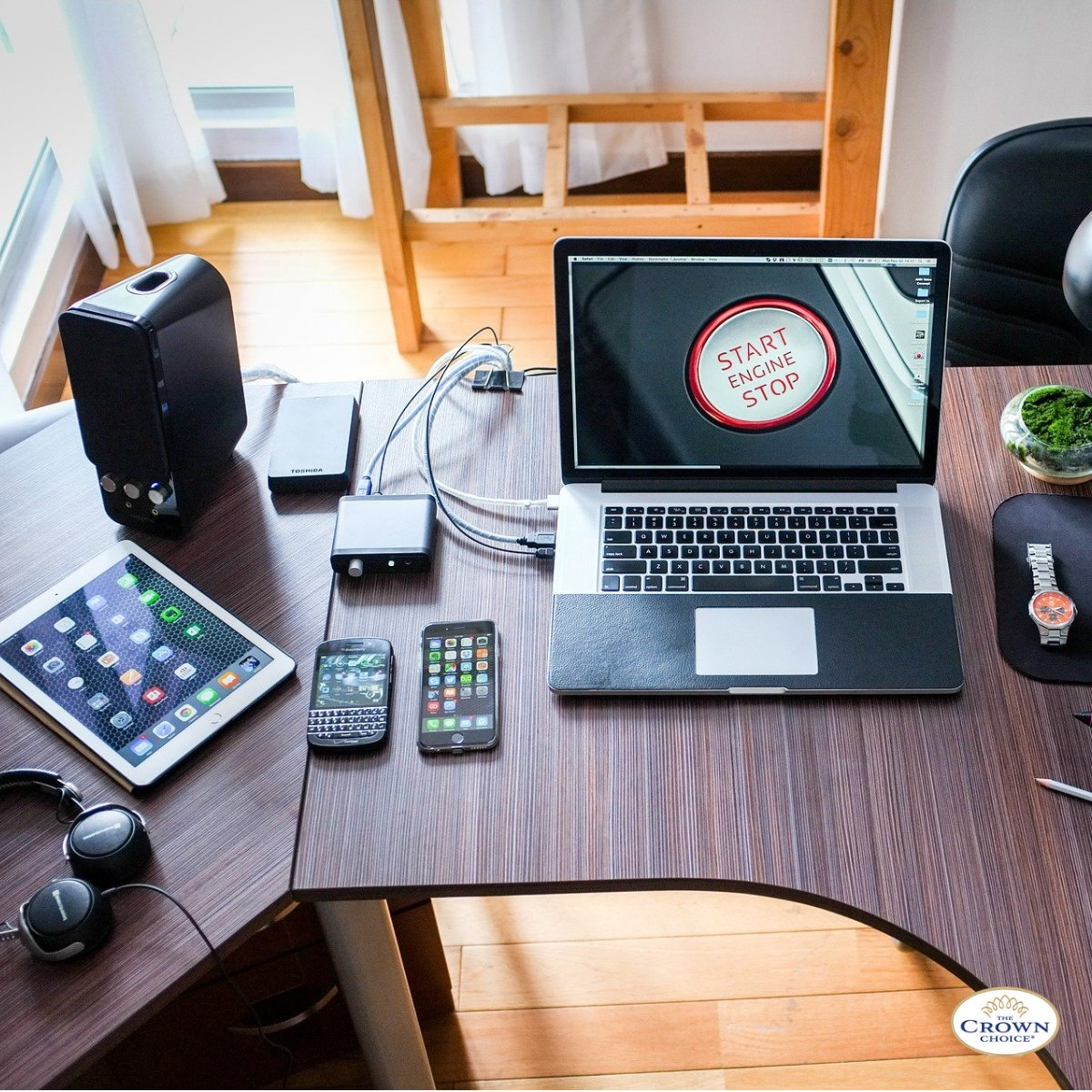 Cable Management Ideas and Easy Ways to Clean Your Desk